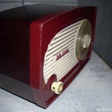 Radios de válvulas: RADIO PEQUEÑA PHILIPS , FUNCIONANDO. Lote 161887949