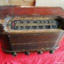 Radios de válvulas: PRECIOSA RADIO ANTIGUA. Lote 165216629