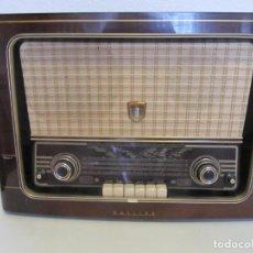 Radios de válvulas: ANTIGUA RADIO DE VALVULAS PHILIPS 58 X 40,5 X 22,5 CM. Lote 166066454