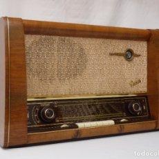 Radios de válvulas: ANTIGUA RADIO DE VÁLVULAS MARCA GRAETZ, BUEN ESTADO Y FUNCIONANDO CON BUEN SONIDO (VER VÍDEO). Lote 166669310