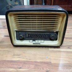 Radios de válvulas: RADIO TELEFUNKEN 6 VÁLVULAS 40.5 X 18.5 X 29CM. Lote 167650220