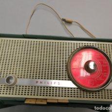 Radios de válvulas: IMPRESIONATE ANTIGUA RADIO BAQUELITA MARCA PHILIPS B2E14A VINTAGE AÑOS 50 RARO 4 VALVULAS FUNCIONA. Lote 167841004
