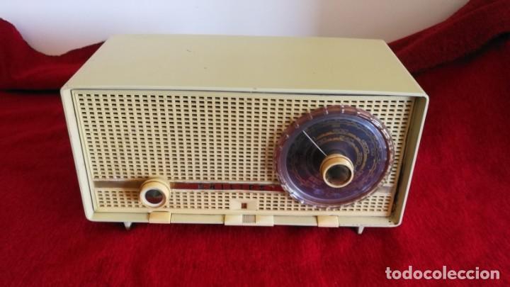 RADIO PHILIPS PHILITINA, AÑO 1962, FM, 220 V. FUNCIONANDO PERFECTA (VIDEO) (Radios, Gramófonos, Grabadoras y Otros - Radios de Válvulas)