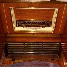 Radios de válvulas: RADIO TOCADISCOS GRUNDIG. Lote 168388904