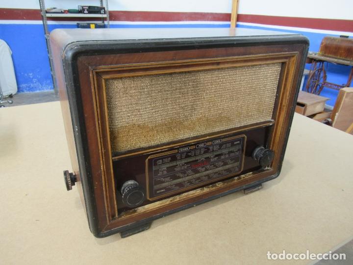 RADIO INVICTA MOD. 329 (Radios, Gramófonos, Grabadoras y Otros - Radios de Válvulas)