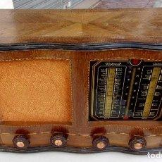 Radios de válvulas: ANTIGUA RADIO. FUNCIONANDO. 125 W. ORIGINAL. CON INCRUSTACIONES DE MARQUETERÍA. BUEN ESTADO.. Lote 170301688