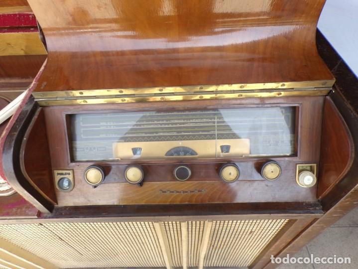 Radios de válvulas: mueble radio tocadiscos fhillips recoger provincia barcelona - Foto 4 - 171167468