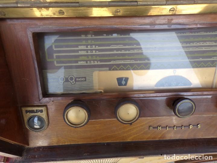 Radios de válvulas: mueble radio tocadiscos fhillips recoger provincia barcelona - Foto 5 - 171167468