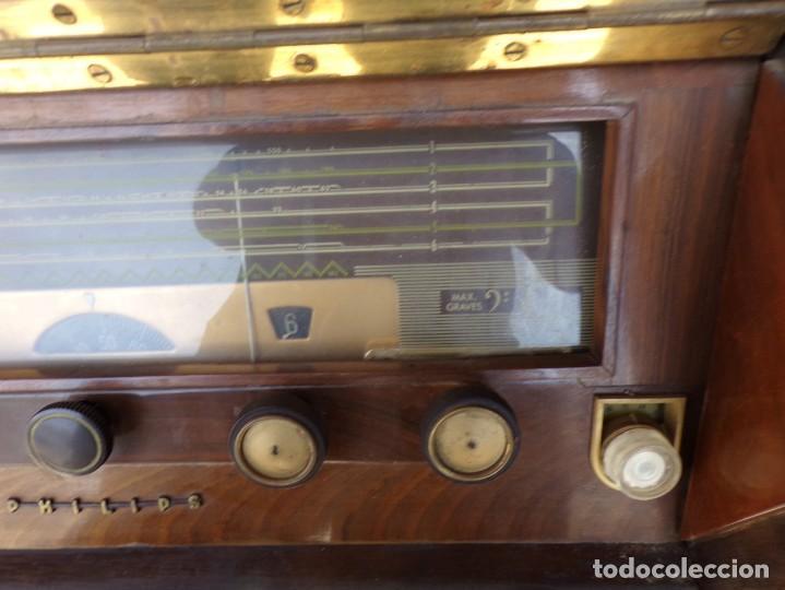 Radios de válvulas: mueble radio tocadiscos fhillips recoger provincia barcelona - Foto 6 - 171167468