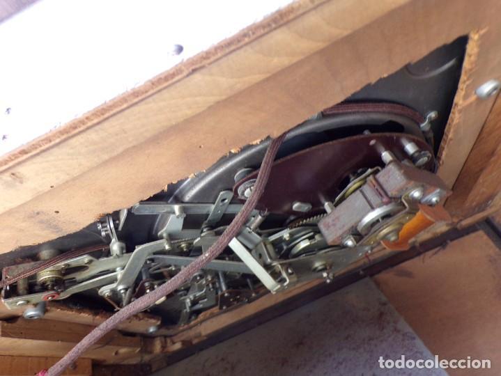 Radios de válvulas: mueble radio tocadiscos fhillips recoger provincia barcelona - Foto 16 - 171167468