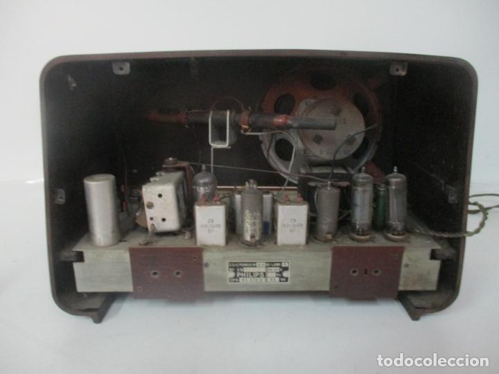 Radios de válvulas: Antigua Radio - Marca Philips - Mod, B3 E 72U - Baquelita - Años 1957-58 - Foto 8 - 171338539