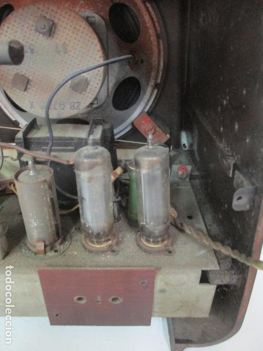 Radios de válvulas: Antigua Radio - Marca Philips - Mod, B3 E 72U - Baquelita - Años 1957-58 - Foto 11 - 171338539