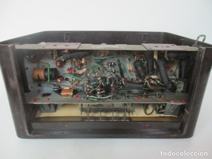 Radios de válvulas: Antigua Radio - Marca Philips - Mod, B3 E 72U - Baquelita - Años 1957-58 - Foto 12 - 171338539