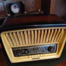 Radios de válvulas: RADIO DE VÁLVULAS TELEFUNKEN ADAGIO, DESCONOZCO SI FUNCIONA. Lote 171343227