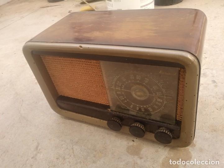 ANTIGUA RADIO DE MADERA INVICTA MODELO 338 (Radios, Gramófonos, Grabadoras y Otros - Radios de Válvulas)