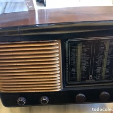 Radios de válvulas: BONITA RADIO MARCA INVICTA. Lote 172612574
