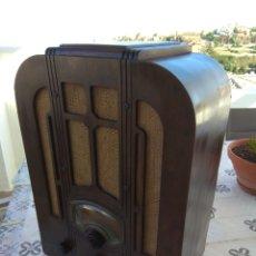 Radios de válvulas: RADIO CAPILLA RCA. Lote 172833447