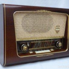 Rádios de válvulas: ANTIGUA RADIO DE VÁLVULAS AEG, MAGNIFICO ESTADO, FUNCIONANDO CON MUY BUEN SONIDO (VER VÍDEO). Lote 173200879