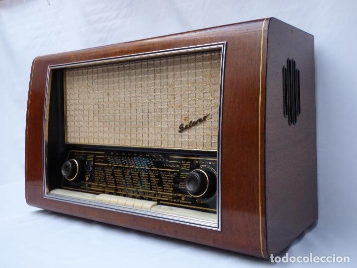 Radios de válvulas: Antigua radio de válvulas BLAUPUNKT, modelo SALERNO buen estado, funcionando (ver vídeo) - Foto 2 - 173235855
