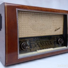 Radios de válvulas: ANTIGUA RADIO DE VÁLVULAS BLAUPUNKT, MODELO SALERNO BUEN ESTADO, FUNCIONANDO (VER VÍDEO). Lote 173235855