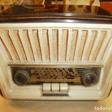 Radios de válvulas: PEQUEÑA RADIO TELEFUNKEN. Lote 173267498