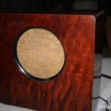 Rádios de válvulas: ALTO PARLANTE DE MADERA FUNCIONA. Lote 173463917