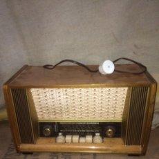 Radios de válvulas: ANTIGUA Y MUY BONITA RADIO DE VALVULAS!. Lote 174091433
