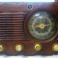 Radios de válvulas: ANTIGUA Y BONITA RADIO. MODELO 111 G. MEDIDAS 52 X 24 X 35. Lote 174319377