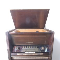 Radios de válvulas: PRECIOSO MUEBLE VINTAGE RETRO CON TOCADISCOS Y RADIO GRUNDIG 3D KLANG . Lote 174677957