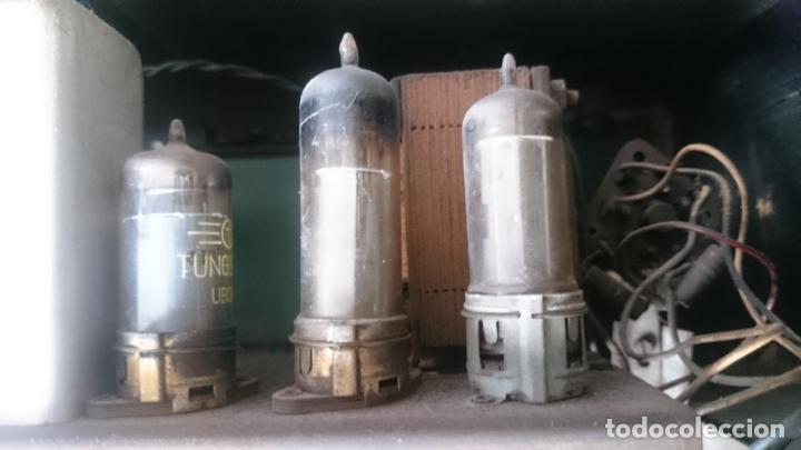 Radios de válvulas: RADIO INVICTA 5409 de 1950 CON TRANSFORMADOR Y VOLTIMETRO AÑADIDOS - Foto 9 - 175046688