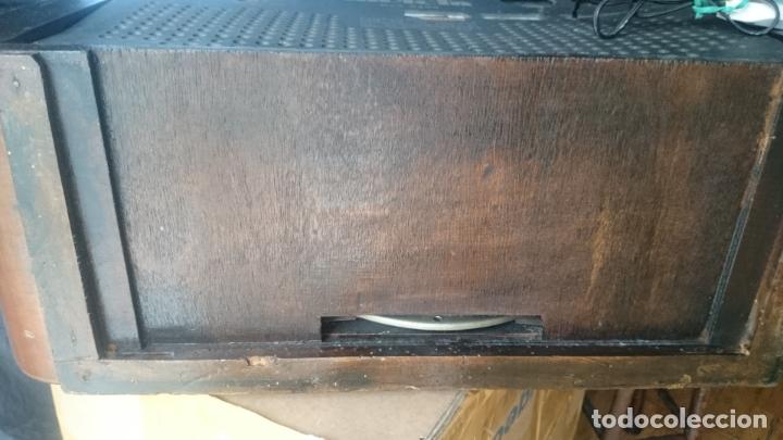 Radios de válvulas: RADIO INVICTA 5409 de 1950 CON TRANSFORMADOR Y VOLTIMETRO AÑADIDOS - Foto 12 - 175046688