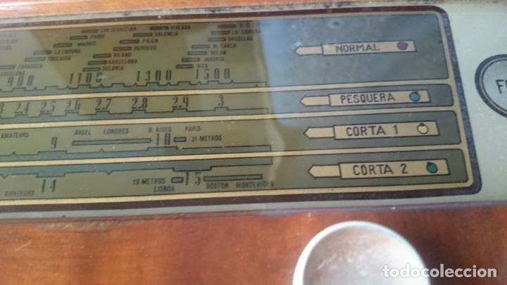 Radios de válvulas: RADIO INVICTA 5409 de 1950 CON TRANSFORMADOR Y VOLTIMETRO AÑADIDOS - Foto 18 - 175046688