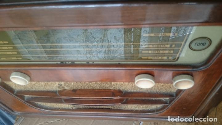 Radios de válvulas: RADIO INVICTA 5409 de 1950 CON TRANSFORMADOR Y VOLTIMETRO AÑADIDOS - Foto 20 - 175046688