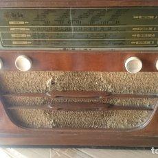 Radios de válvulas: RADIO INVICTA 5409 DE 1950 CON TRANSFORMADOR Y VOLTIMETRO AÑADIDOS. Lote 175046688