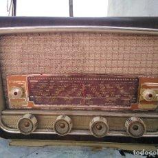 Radios de válvulas: ANTIGUA RADIO DE VALVULAS PARA REPARAR O DECORAR. Lote 175543479