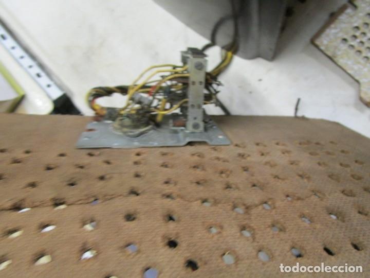 Radios de válvulas: ANTIGUA RADIO PHILIPS A VALVULAS (5) Y BAKELITA 220V - NO FUNCIONA + INFO Y FOTOS 1S - Foto 3 - 175621187