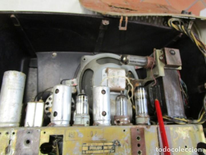 Radios de válvulas: ANTIGUA RADIO PHILIPS A VALVULAS (5) Y BAKELITA 220V - NO FUNCIONA + INFO Y FOTOS 1S - Foto 6 - 175621187