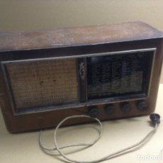 Radios de válvulas: ANTIGUA RADIO POINT BLEU A 866 EN MADERA. MIDE EN CMS 56X26X30. NO FUNCIONA. Lote 175986669