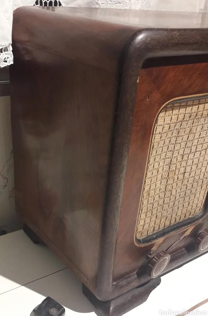 Radios de válvulas: Antigua radio de válvulas Marca Gram Onda corta y normal. En madera maciza gran tamaño 50 x 25 x 37 - Foto 4 - 176204418