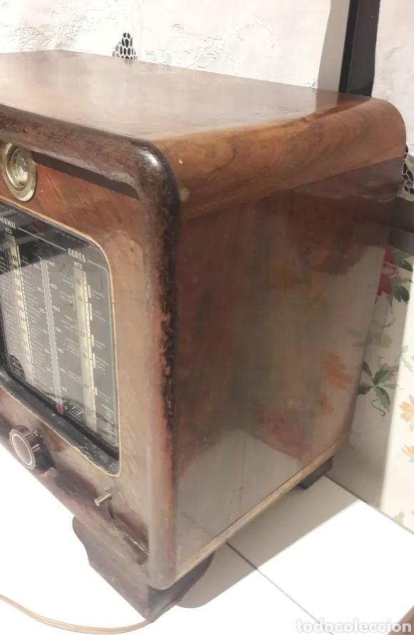 Radios de válvulas: Antigua radio de válvulas Marca Gram Onda corta y normal. En madera maciza gran tamaño 50 x 25 x 37 - Foto 5 - 176204418