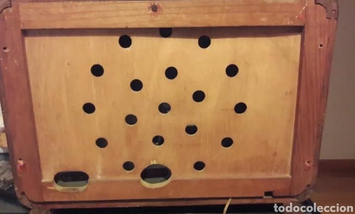 Radios de válvulas: Antigua radio de válvulas Marca Gram Onda corta y normal. En madera maciza gran tamaño 50 x 25 x 37 - Foto 6 - 176204418