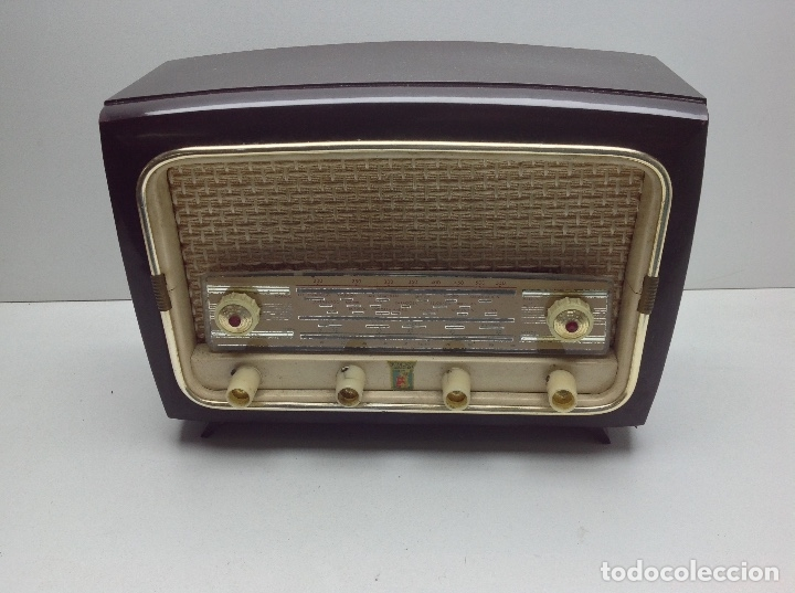 RARA Y PEQUEÑA RADIO MARCA VALPOR RADIO - MODELO DE BAQUELITA - NO PROBADA (Radios, Gramófonos, Grabadoras y Otros - Radios de Válvulas)