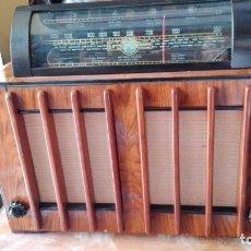 Radios de válvulas: UNICA Y DIFICIL RADIO LA VOZ DEL MUNDO HARMONIC FUNCIONANDO DISEÑO ART DECO. Lote 176837170