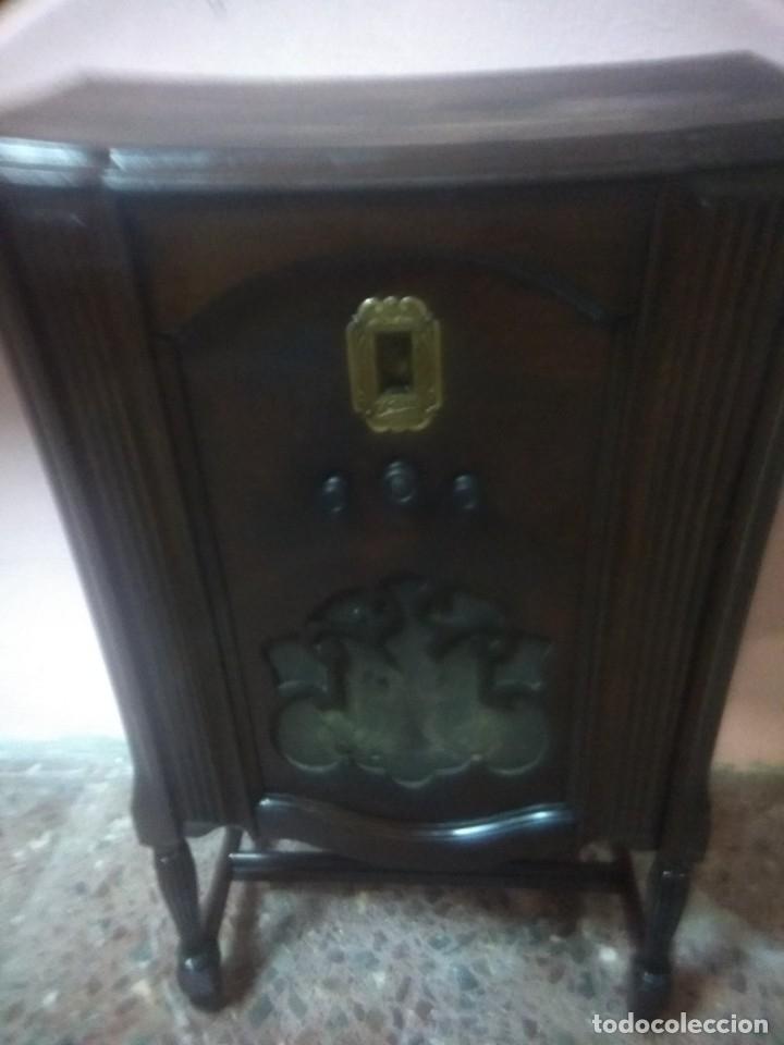 Radios de válvulas: Precioso mueble radio capilla - Foto 2 - 177746229