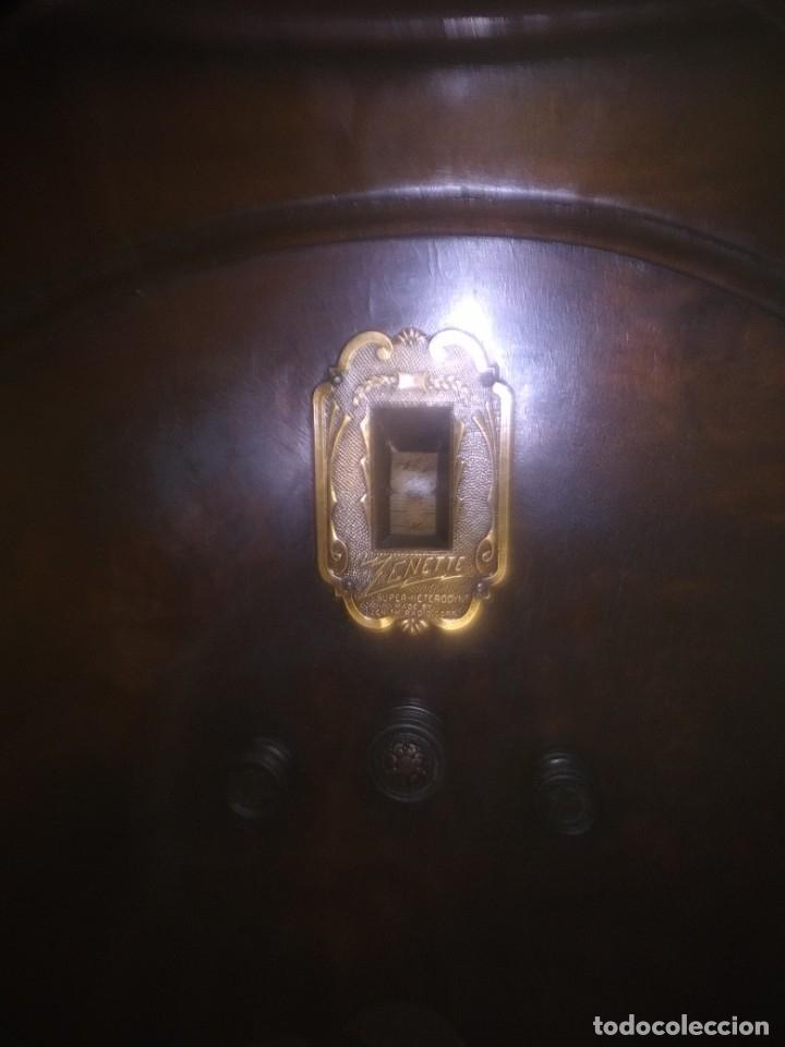 Radios de válvulas: Precioso mueble radio capilla - Foto 3 - 177746229