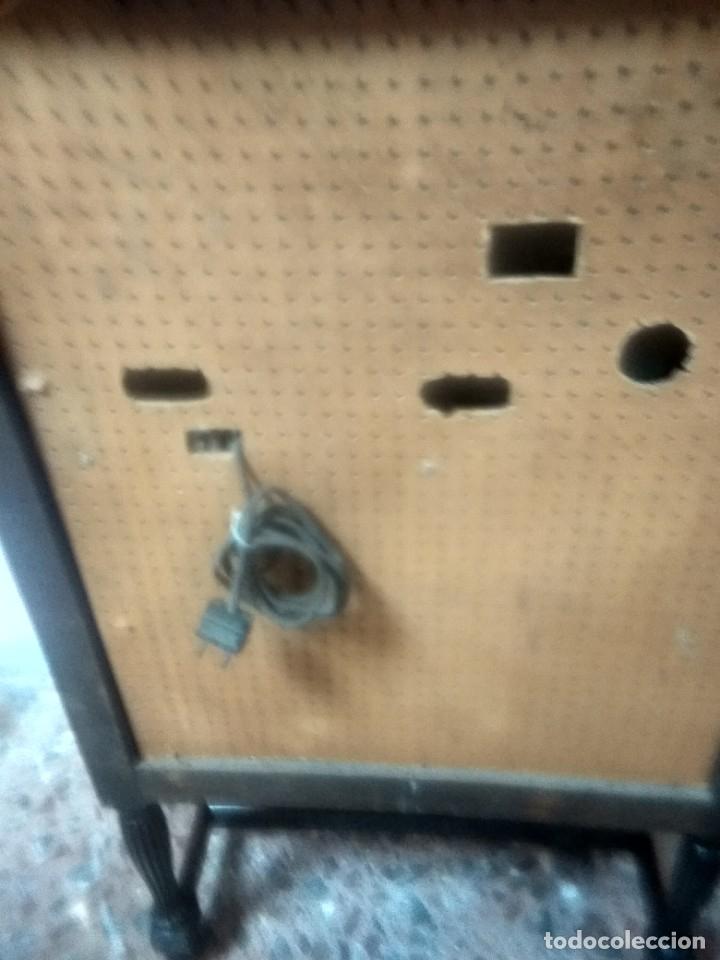 Radios de válvulas: Precioso mueble radio capilla - Foto 6 - 177746229