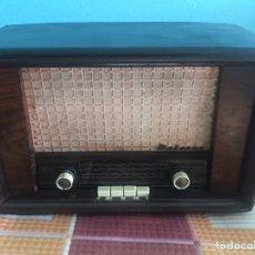 Radios de válvulas: RADIO MARCONI VALVULAS FUNCIONANDO A 125 VOLTIOS. Lote 178360606
