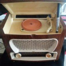 Radios de válvulas: RADIO Y TOCADISCOS LAK.. Lote 178713628