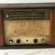 Radios de válvulas: RADIO PHILIPS BE 531A. VER FOTOS ANEXAS.. Lote 178749130