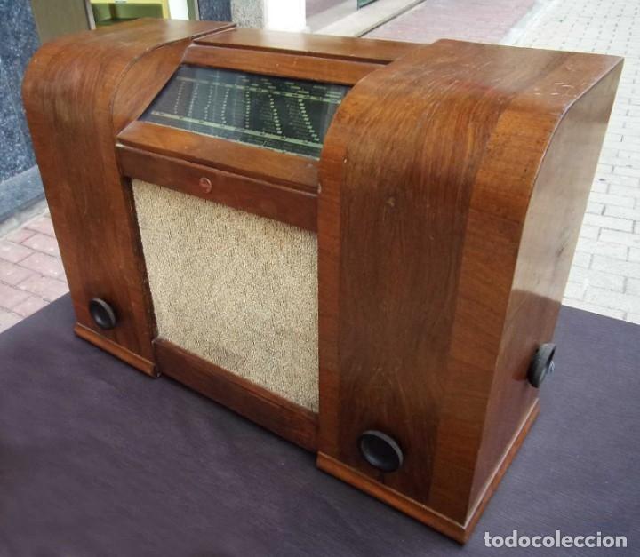 ANTIGUA RADIO PHILIPS 461. FUNCIONANDO. 125 V. AÑOS 1937. ORIGINAL DE ÉPOCA. BUEN ESTADO. (Radios, Gramófonos, Grabadoras y Otros - Radios de Válvulas)